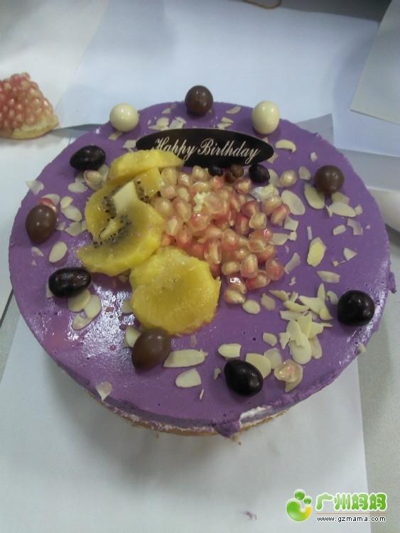 做给今天同事生日的2个蛋糕图片